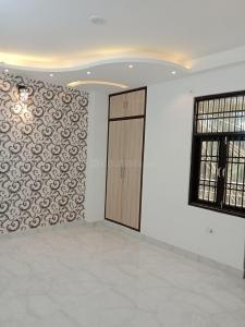 Gallery Cover Image of 810 Sq.ft 3 BHK Independent Floor for buy in Dwarka Mor for 3400000