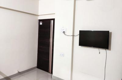 Gallery Cover Image of 550 Sq.ft 1 BHK Apartment for rent in Kasarvadavali, Thane West for 19900