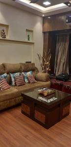 Gallery Cover Image of 650 Sq.ft 2 BHK Apartment for buy in Safal Ganga, Chembur for 12500000