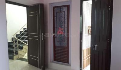 Gallery Cover Image of 991 Sq.ft 2 BHK Apartment for buy in Medavakkam for 5549600