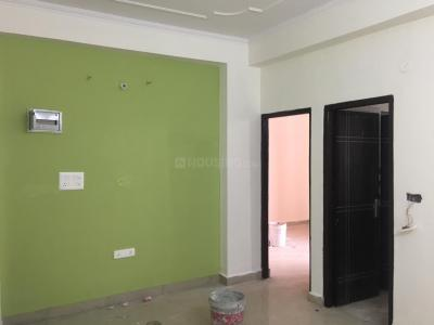 Gallery Cover Image of 915 Sq.ft 2 BHK Independent Floor for buy in Lucky Palm Valley, Noida Extension for 2160000