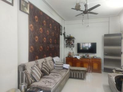 Gallery Cover Image of 800 Sq.ft 2 BHK Apartment for buy in Shiv Society, Thane East for 12000000