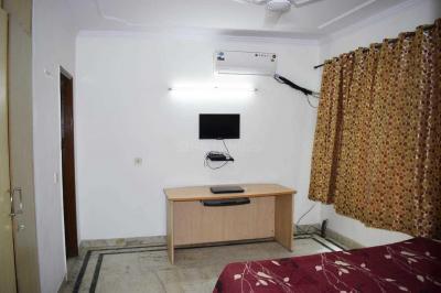 ग्रेटर कैलाश आई में प्रशांत पीजी में बेडरूम की तस्वीर