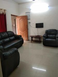 Gallery Cover Image of 1500 Sq.ft 2 BHK Apartment for rent in Adyar for 35000
