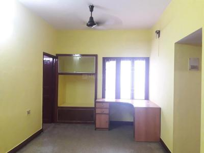 Gallery Cover Image of 900 Sq.ft 2 BHK Apartment for rent in Choolaimedu for 15000