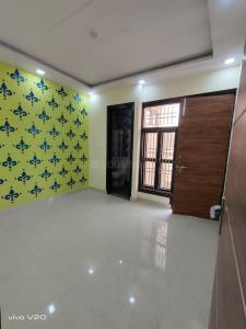 Gallery Cover Image of 370 Sq.ft 1 BHK Independent Floor for buy in Dwarka Mor for 2000000