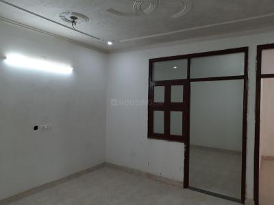 Gallery Cover Image of 900 Sq.ft 3 BHK Independent Floor for rent in Dwarka Mor for 12000