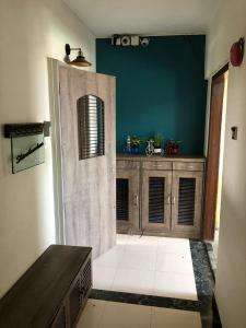 Gallery Cover Image of 1485 Sq.ft 3 BHK Apartment for buy in Rizvi Victory House, Mahim for 45000000