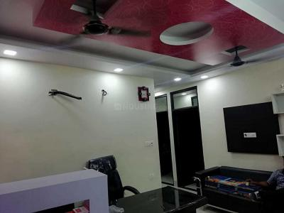 Gallery Cover Image of 1200 Sq.ft 3 BHK Independent Floor for rent in Vikaspuri for 22000