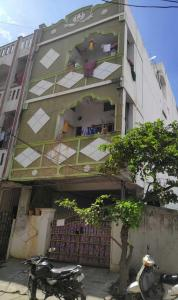 Gallery Cover Image of 1000 Sq.ft 1 BHK Independent House for buy in Padmarao Nagar for 11500000