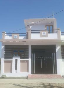 Gallery Cover Image of 700 Sq.ft 2 BHK Independent House for buy in Rajajipuram for 1900000