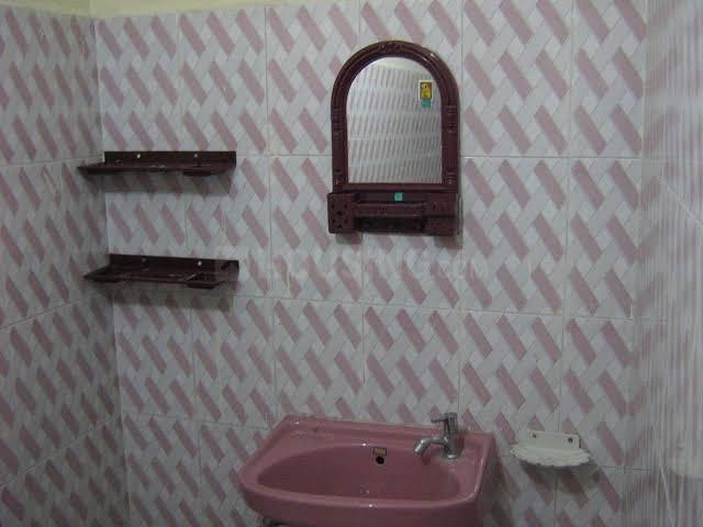 Bathroom Image of Sri Sakthi Corporate Ladies Hostel in West Mambalam
