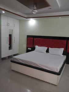 Gallery Cover Image of 350 Sq.ft 1 RK Apartment for rent in DLF Phase 3 for 15000
