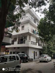 Building Image of Girls PG in GTB Nagar