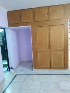 Gallery Cover Image of 1500 Sq.ft 2 BHK Apartment for rent in SFS FLAT, Saket for 35000