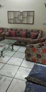 Gallery Cover Image of 1200 Sq.ft 2 BHK Independent Floor for rent in Safdarjung Enclave for 40000