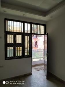 Gallery Cover Image of 850 Sq.ft 3 BHK Independent Floor for rent in Sector 7 Rohini for 18500