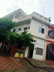 Gallery Cover Image of 2400 Sq.ft 6 BHK Independent House for buy in Vidhya Bhavan, Panchwati for 9000000