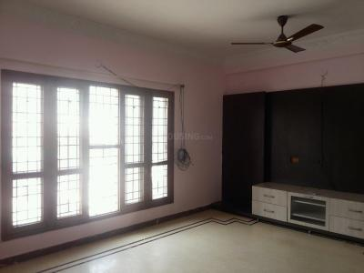 Gallery Cover Image of 1300 Sq.ft 3 BHK Apartment for rent in Murugeshpalya for 30000
