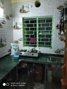 Gallery Cover Image of 820 Sq.ft 2 BHK Apartment for buy in Behala for 2700000
