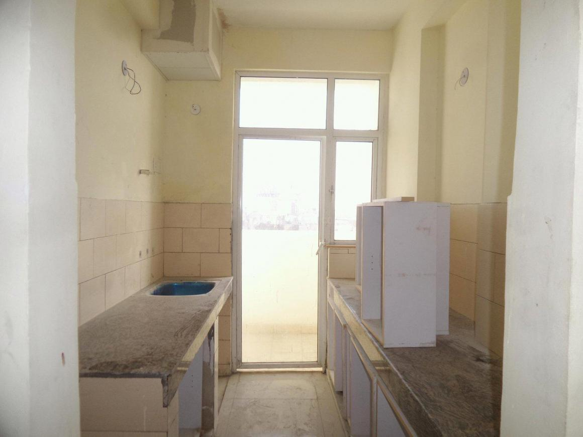 Kitchen Image of 1040 Sq.ft 2.5 BHK Apartment for rent in Mahagunpuram for 6800