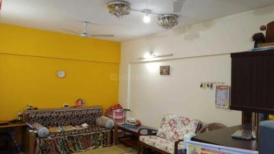 Gallery Cover Image of 1200 Sq.ft 2 BHK Apartment for rent in Hadapsar for 30000