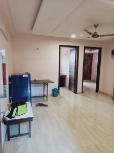 Gallery Cover Image of 1050 Sq.ft 3 BHK Independent Floor for rent in Vasant Kunj for 22000