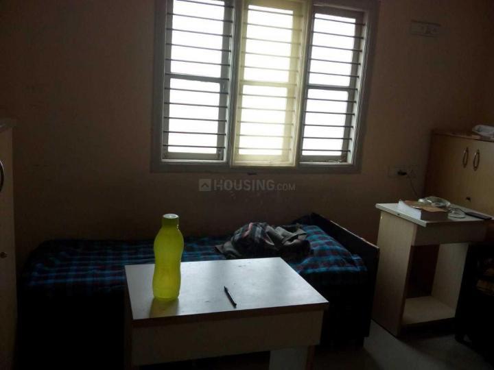 कार्तिक नगर में वीणा पार्वती सड़ना पीजी में बेडरूम की तस्वीर