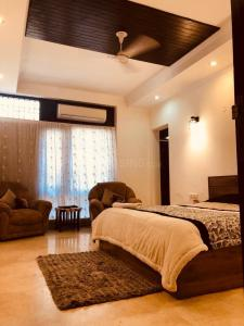 Gallery Cover Image of 1800 Sq.ft 3 BHK Independent Floor for rent in South Extension II for 70000