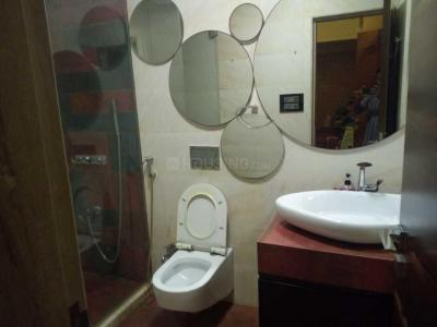 Bathroom Image of PG 4195396 Girgaon in Girgaon