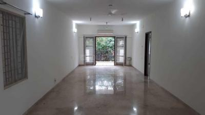 Gallery Cover Image of 2400 Sq.ft 3 BHK Independent Floor for buy in Thiruvanmiyur for 30000000