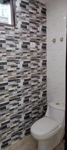 Gallery Cover Image of 1800 Sq.ft 3 BHK Villa for buy in Paschim Vihar for 105000000