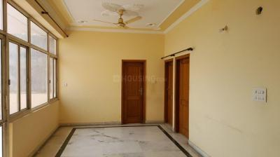 Gallery Cover Image of 1620 Sq.ft 2 BHK Independent Floor for rent in Sector 122 for 13500