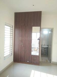 Gallery Cover Image of 1552 Sq.ft 3 BHK Apartment for rent in Mambakkam for 15000