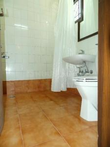 Bathroom Image of PG 4035251 Pul Prahlad Pur in Pul Prahlad Pur