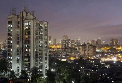 Gallery Cover Image of 824 Sq.ft 2 BHK Apartment for buy in Thane West for 10800000