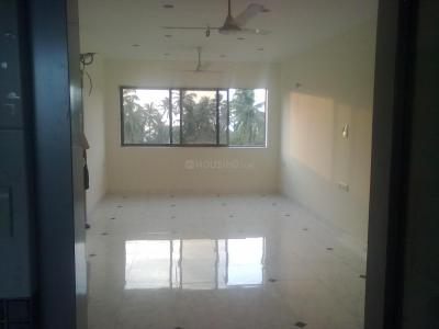 Gallery Cover Image of 900 Sq.ft 2 BHK Apartment for buy in Juhu for 35000000