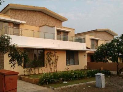 Gallery Cover Image of 5000 Sq.ft 4 BHK Villa for buy in Vasant Vihar Complax, Thane West for 60000000
