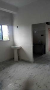 Gallery Cover Image of 750 Sq.ft 2 BHK Apartment for rent in Barrackpore for 7000