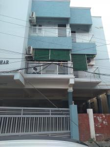 Gallery Cover Image of 756 Sq.ft 2 BHK Apartment for buy in Vadapalani for 6696000