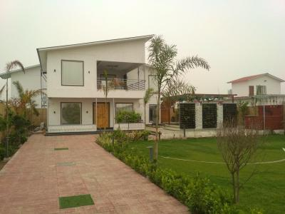 Gallery Cover Image of 900 Sq.ft 2 BHK Villa for buy in Dkrrish Green Beauty Farms, Nagli Sabapur for 4788600