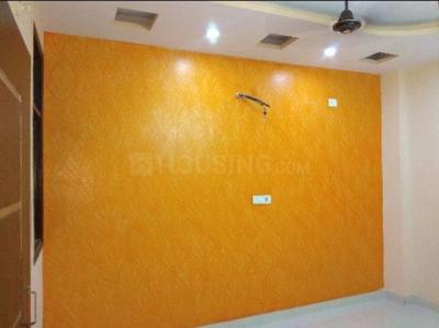 Gallery Cover Image of 900 Sq.ft 3 BHK Apartment for rent in Uttam Nagar for 16500