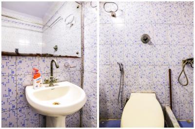 Bathroom Image of Simran Niwas Girls PG in Kamla Nagar