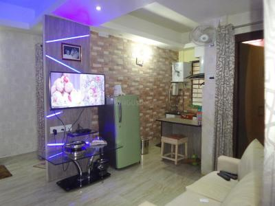 Gallery Cover Image of 700 Sq.ft 2 BHK Apartment for buy in Tollygunge for 4000000