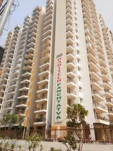 Gallery Cover Image of 940 Sq.ft 2 BHK Apartment for buy in Noida Extension for 3400000
