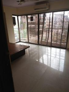 Gallery Cover Image of 800 Sq.ft 2 BHK Apartment for rent in L Nagpal Sudama Niwas, Khar West for 75000