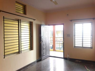 Gallery Cover Image of 750 Sq.ft 2 BHK Apartment for rent in Rajajinagar for 14000