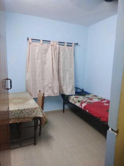 शांति नगर में मुकेश मेंस अकॉमोडेशन के बेडरूम की तस्वीर
