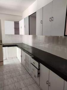 Gallery Cover Image of 2500 Sq.ft 3 BHK Independent Floor for rent in Unitech South City II, Sector 49 for 35000
