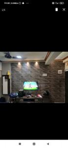 Gallery Cover Image of 250 Sq.ft 1 RK Apartment for rent in Ayesha Sra CHS, Andheri East for 18500